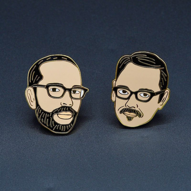 Viktor & Rolf-Pins-warm-geëmailleerde-in-goud-verguldsel-Pin's Passion